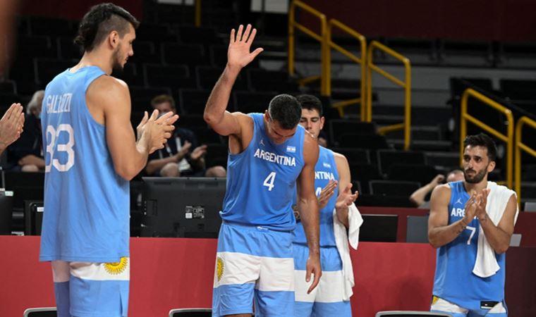 Arjantinli yıldız basketbolcu Luis Scola parkelere veda etti.