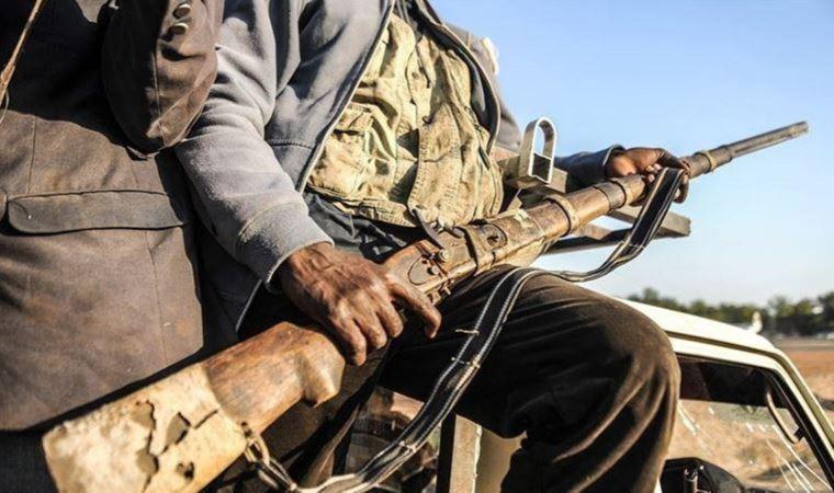 Köye silahlı saldırı: Onlarca kişi öldürüldü