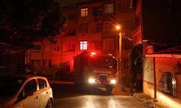 İzmit'te toprak kayması nedeniyle 2 bina tahliye edildi