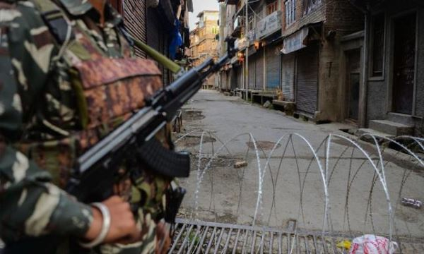 "Hindistan'da muhalefet partilerinden ""Keşmir"" protestosu"