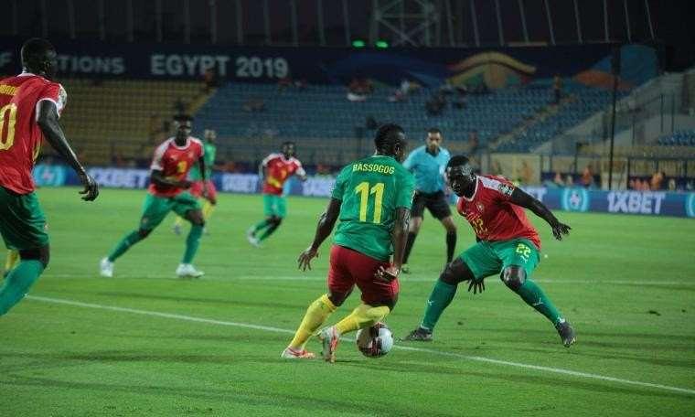 Son şampiyon Kamerun, turnuvaya galibiyetle başladı