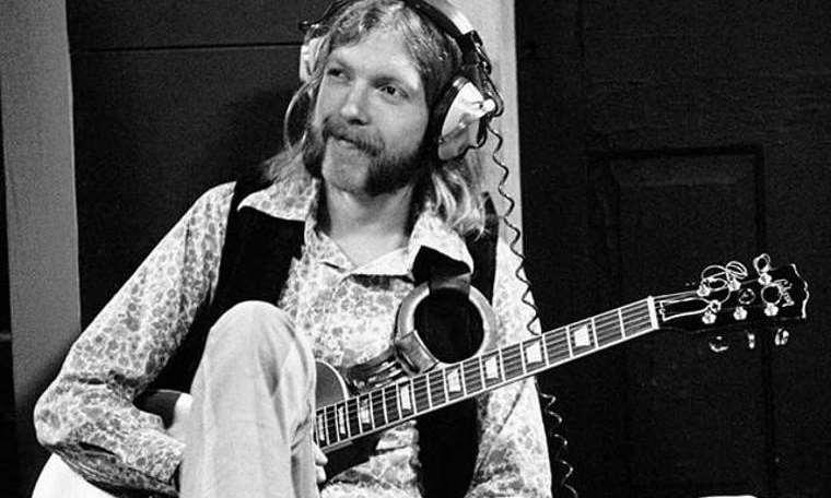 'Layla'daki gitar rekor fiyata satıldı