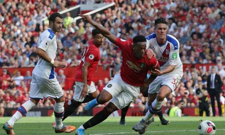 Manchester United ilk yenilgisini tattı